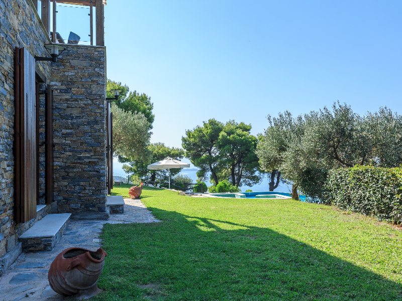 SKIATHOS LUXURY VILLAS PRIVATE POOL VILLA SKIATHOS